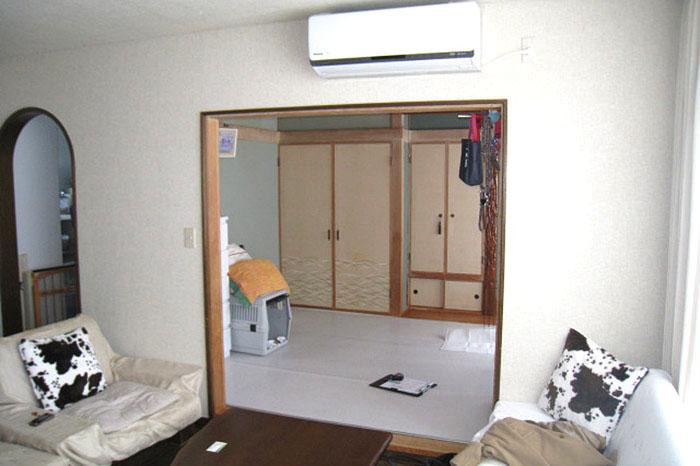 洋間と和室。工事前のお写真です。