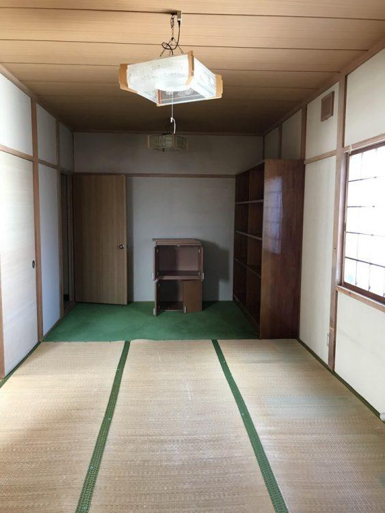 以前の和室。形状が細長く、部屋として使いにくかったです。