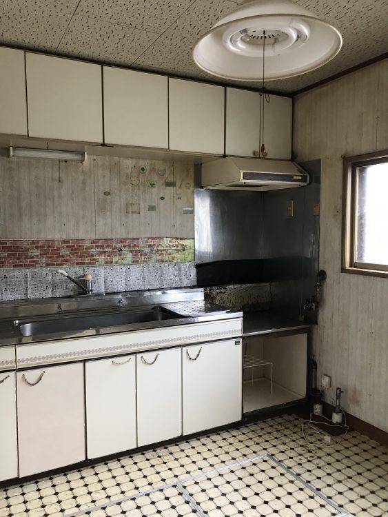 工事前のユニットキッチン